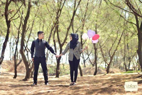 pantai goa cemara di jogja untuk prewedding romantis