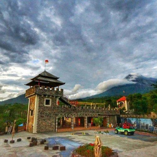tempat wisata yang menyenangkan di kaliurang gunung merapi the lost world castle