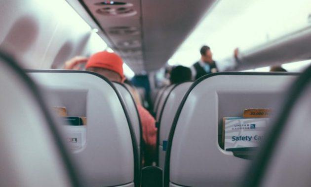 Alasan-pilih-kursi-paling-belakang-saat-terbang